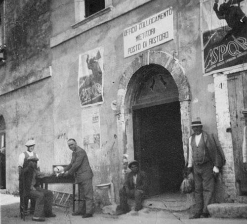 Corso Garibaldi ( anni '30 ) archivio fam. Artese