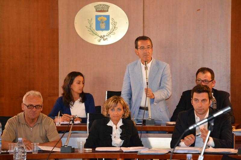 In alto a destra Michele Smargiassi