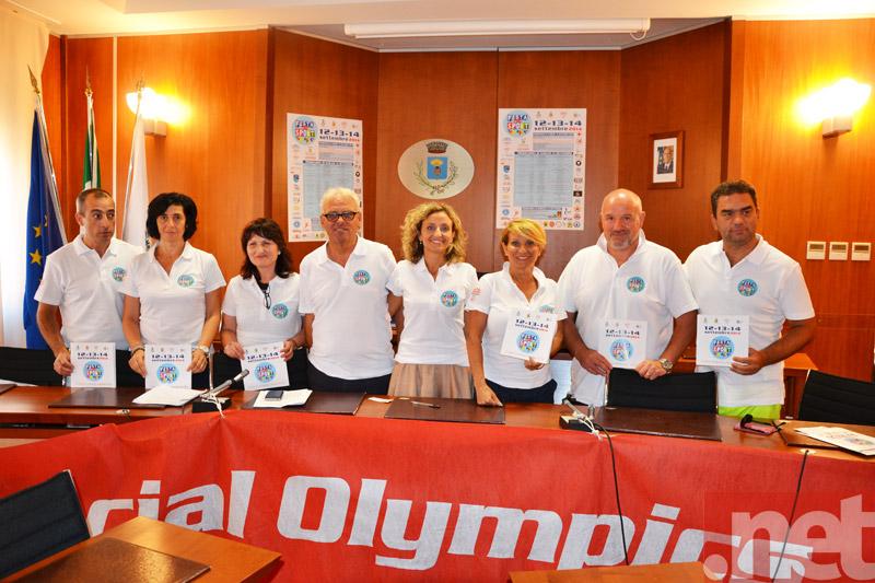 Gli amministratori con il comitato organizzatore
