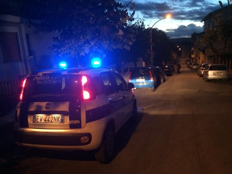 Polizia municipale sveglia all'alba