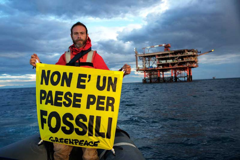 Uno scatto del 'blitz' di Greenpeace