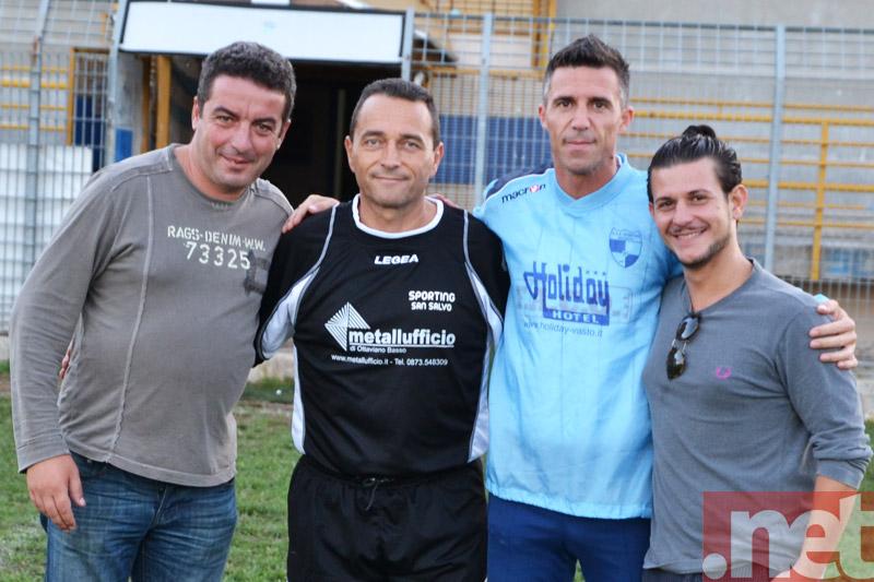 Giuseppe Turchi (secondo da sinistra) con la dirigenza