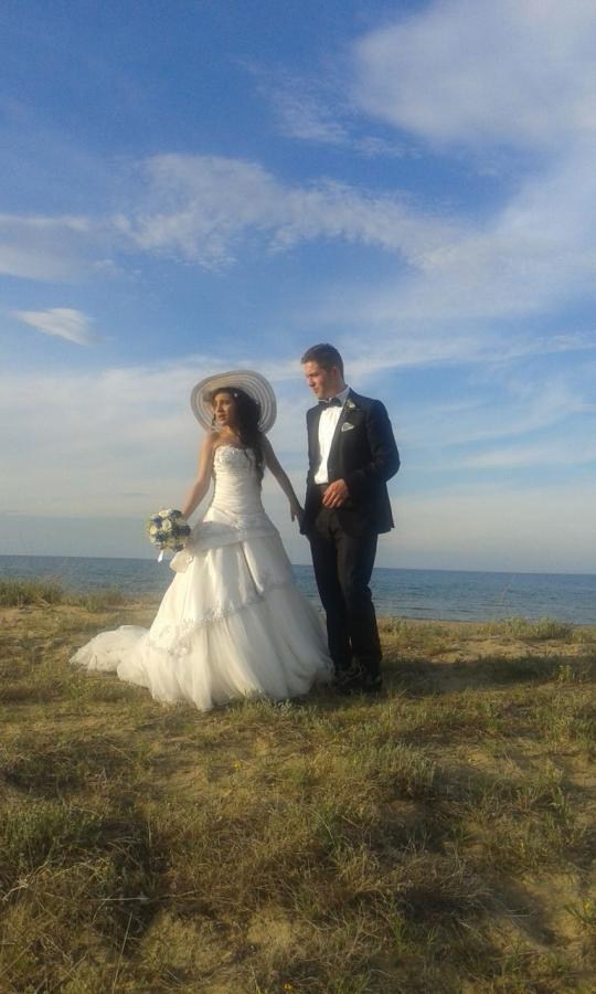 Giulia e Gianluca sposi della