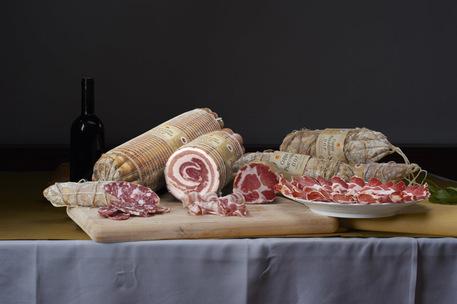 Gli italiani mangiano male e sono sovrappeso
